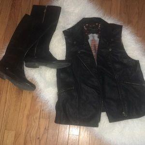 Sanctuary Clothing Faux Learher Vest Large